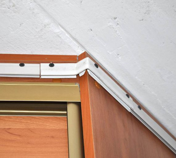 Профиль натяжного потолка на шкафе-купе